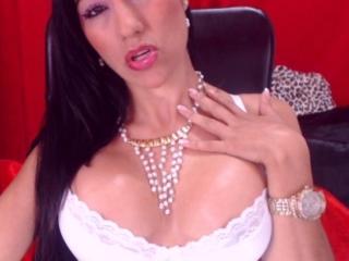 BrianaTaylor sexy webcam model