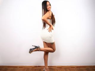 Webcam model AlexaJoness from XLoveCam
