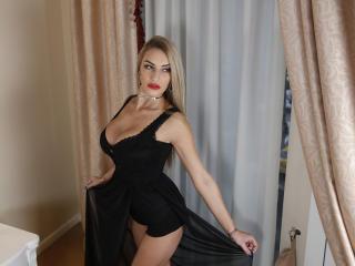 Webcam model AlexiaLizete from XLoveCam
