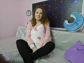 Webcam model CharlotteTucker from XLoveCam