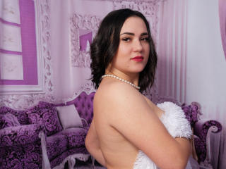 Webcam model CleoLove from XLoveCam