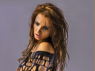 Webcam model Della from XLoveCam