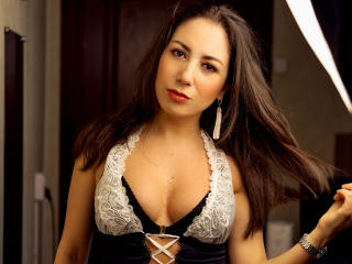 Webcam model DianaValevskaya from XLoveCam