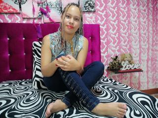 Webcam model KarenL from XLoveCam