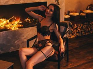 Webcam model KarinaMais from XLoveCam