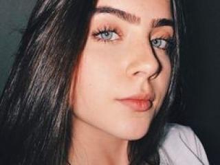 Webcam model LadyFist from XLoveCam