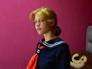 Webcam model MarthaStoyn from XLoveCam