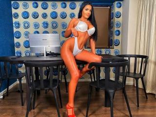 Webcam model MayaMarlyn from XLoveCam