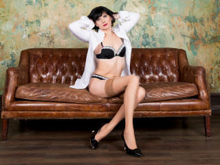 EvelinaX - Chat cam sexy with this average constitution Lady over 35
