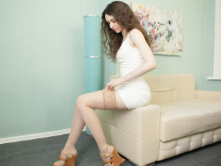 Webcam model SweetLinaWoW from XLoveCam