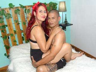 Webcam model PalomaAndMalkut from XLoveCam
