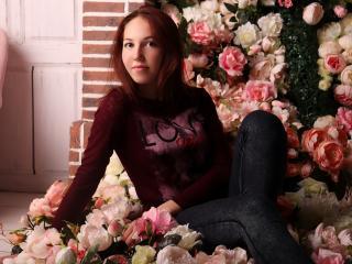 Webcam model KattyGlitter from XLoveCam
